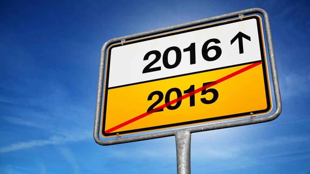 Verkehrschild mit Pfeil zu 2016