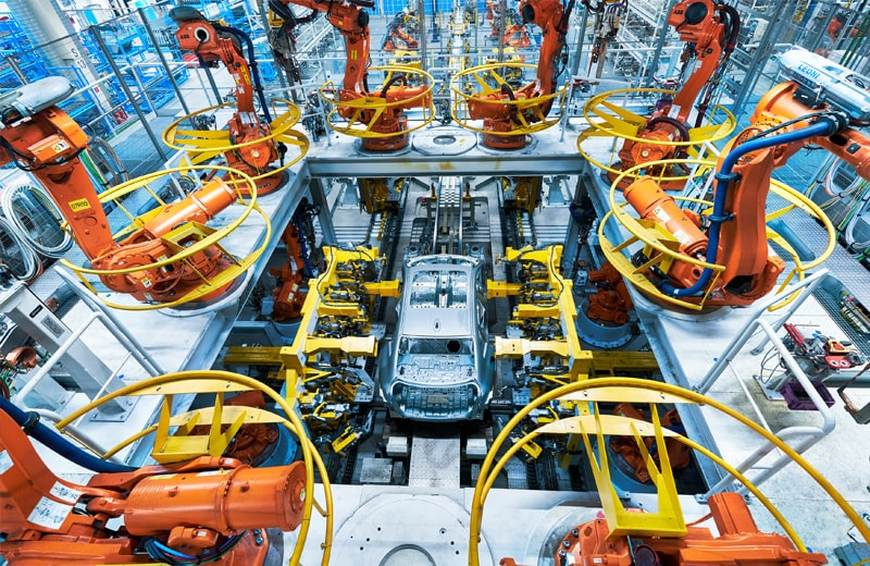 Auch BMW produziert wieder fleissig Autos